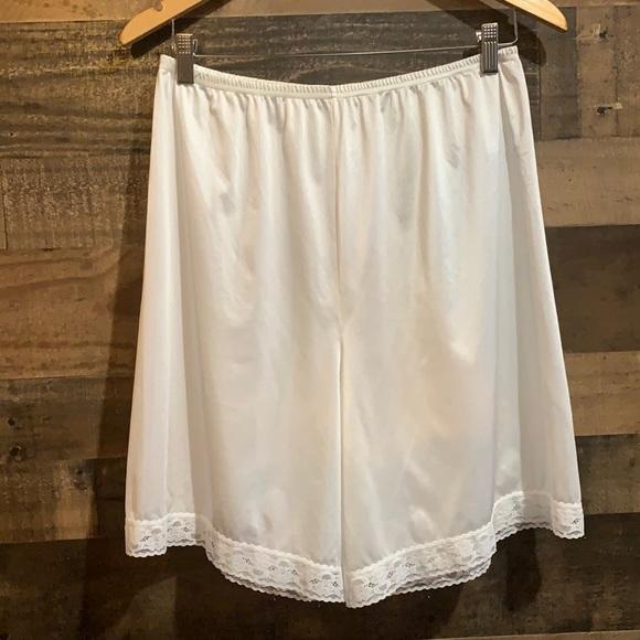 Vintage White Nylon Lacy Bloomers Slip Shorts Med
